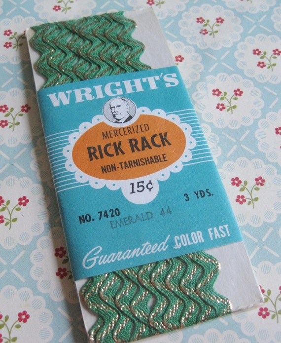 Vintage Wright's Cotton Emerald Green and Metallic Gold Rick Rack Sewing Trim