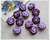 Flower Set 12 Vintage Shades of Purple Buttons