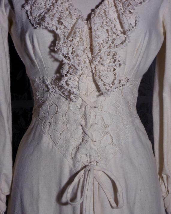 Vintage 70s gunne sax style wedding dress tie corset style