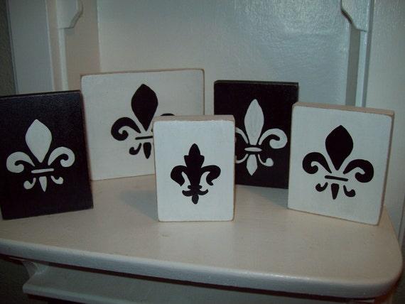 French decor Fleur de lis signs shelf sitters set of 5 black and white Paris decor,French decor,shabby chic,Paris bedroom decor