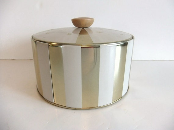 Vintage Tin Box  Insulated Tin