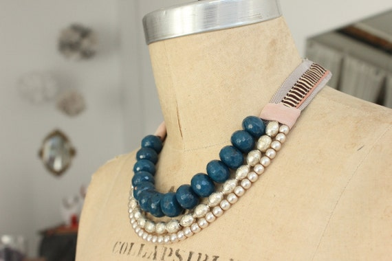 Blue Short Fabric Necklace with Semi-Precious Stones and Cotton