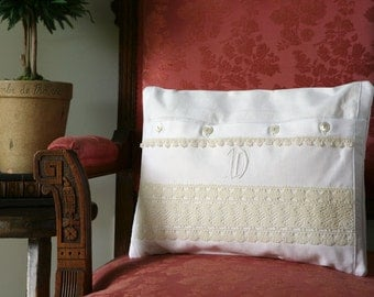 Pillow / Vintage Huck Linen /Cottage - shabby chic style cecorative pillow