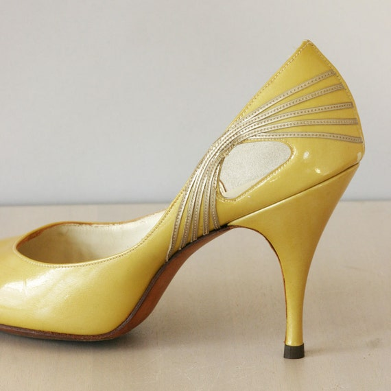 1950's heels / vintage late 50's patent heels / Maize Shimmer