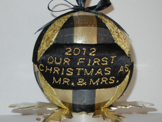 Quilted Kimekomi Christmas Holiday Ornament Decoration Tree Gold Black Married Couple Gift