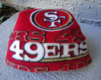 San Francisco 49ers Fleece Hat - Great for Newborn Baby, Child and Adult