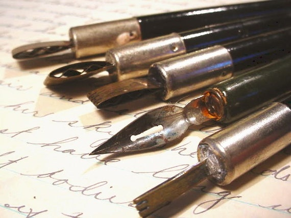 6 Vintage Calligraphy Dip Pens Plus 2 Crow Quill Nibs Wooden