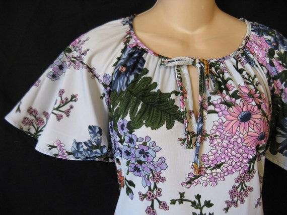blue floral tunic blouse. botanical angel wing. small / medium. new old stock.