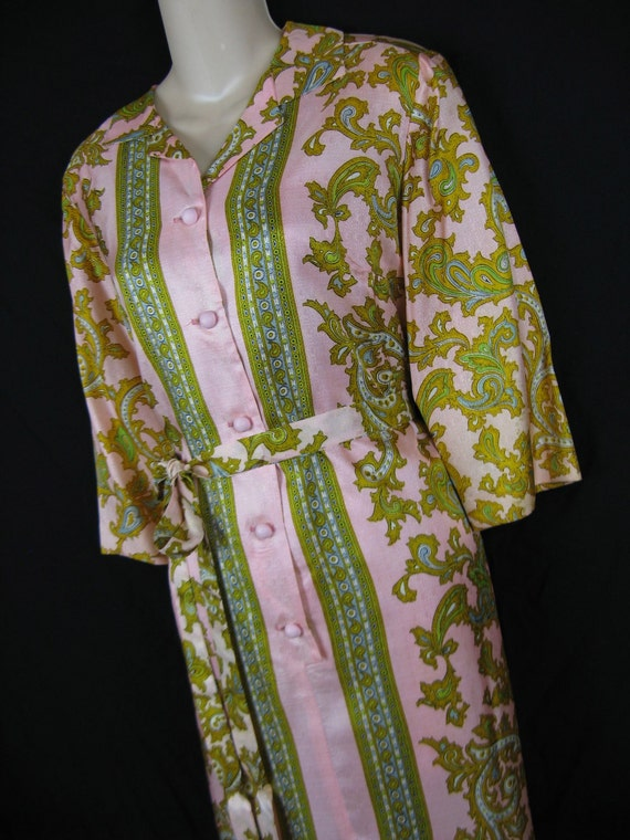 1950's pink lux shirtdress. scarf print dress. fashion first by m. smoller. m/l. new old stock.