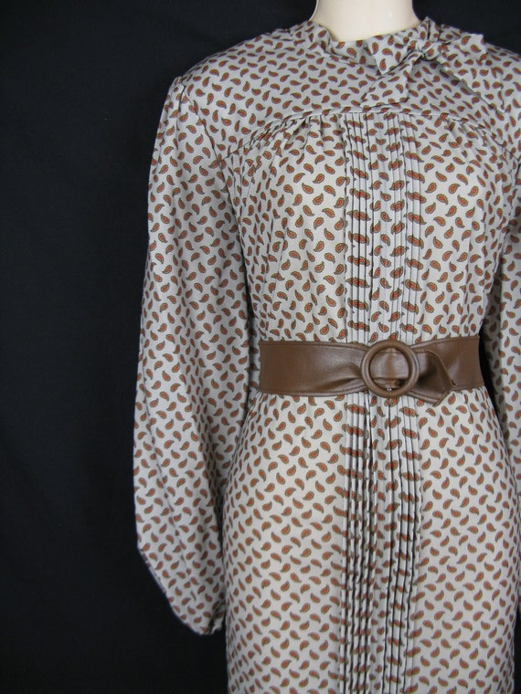 brown paisley dress. 1970's bow tie collar. belted tunic. large. new old stock.