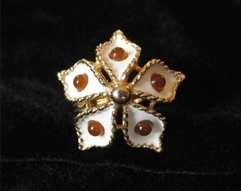 Vintage Flower Ring, Cream Enamel with Topaz, Size 6