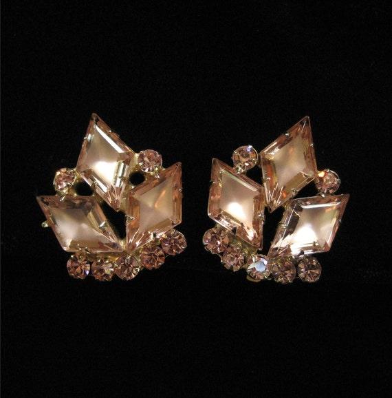 D&E Earrings Pink Matte Table Diamond Shaped Rhinestones