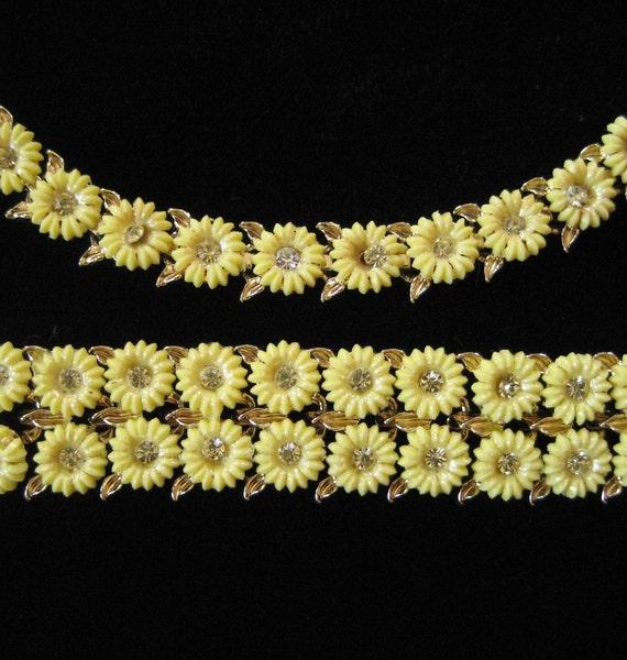 Longcraft Celluloid Daisy Necklace and Bracelet Demi