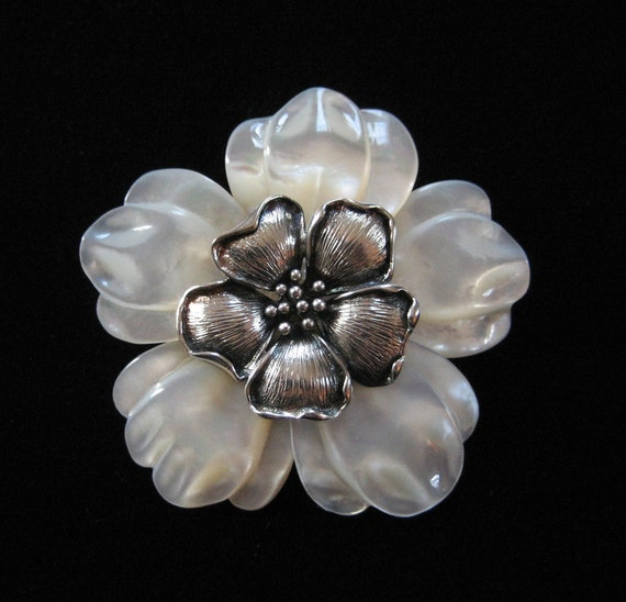 Sterling Silver Mother of Pearl Floral Brooch