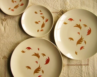 "Vintage Mid-Century Royal China ""September Song"" - 2 Dinner and 2 BB Plates"