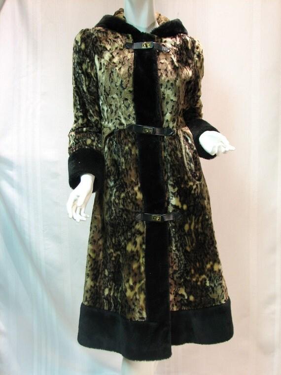 Fun Vintage 1970s Faux Fur Camouflage Leopard Hooded Coat