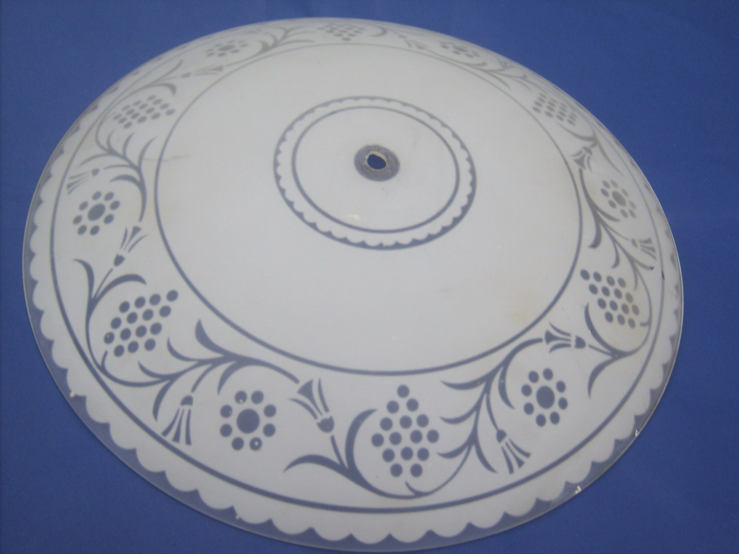 Ceiling light heat covers : Large round frosted glass ceiling light cover
