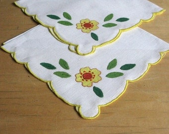 Vintage Embroidered Linen Floral Napkins and Place Mats - Set of 4