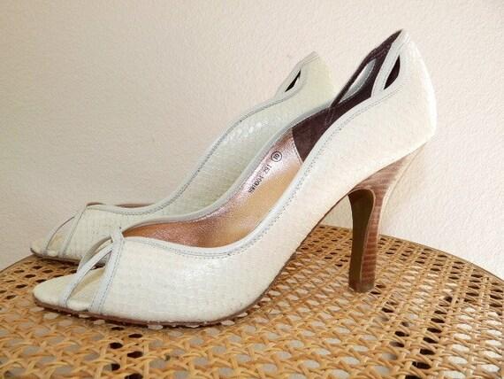 SALE Snake Leather White Wedding Shoes Size 9/10