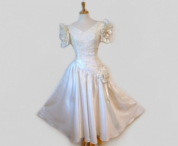 SALE Vintage 1950s Wedding Dress Bonny White Lace Sweetheart Bust Pearls Sequins Full Circle-Skirt