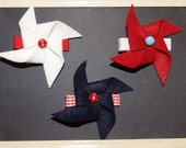 Set of 3 4th of Jult Felt Pinwheel Clips with Bead Center Red White Blue