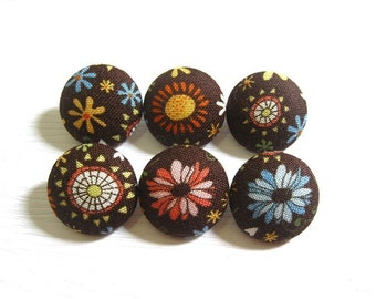 6 Small Fabric Buttons Set - Cute Blooms