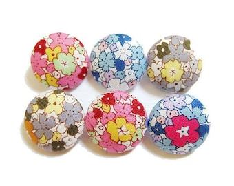 Sewing Buttons / Fabric Buttons - Kawaii Floral - 6 Medium Buttons