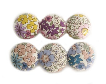 Sewing Buttons / Fabric Buttons - Sweet Garden - 6 Large Fabric Buttons