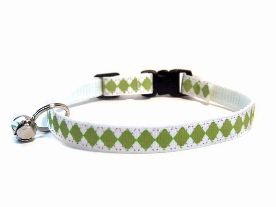 Green on White Argyle Breakaway Cat Collar