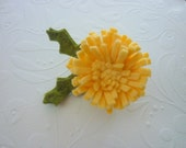 Beautiful Bright Sunny Dandelion Pin Brooch - Wool Felt