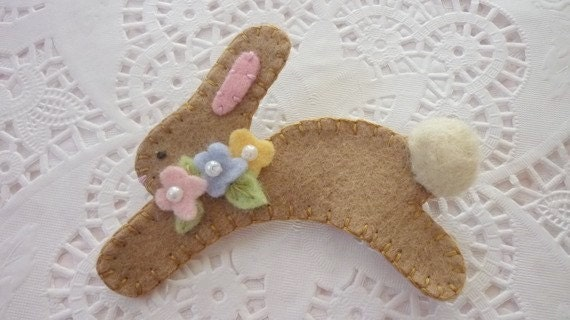 Felted Wool Felt Light Tan Brown  Spring Easter  Bunny  Pin Brooch with Flowers and Pearls