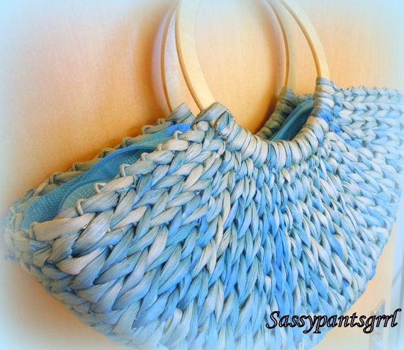 Vintage 1960s ADORABLE Blue Straw Woven Basket Purse -- Boat Shaped -- Rockabilly