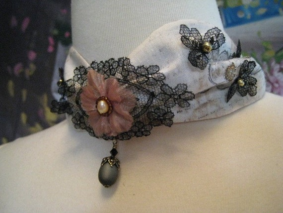 Vintage Lace Gold Beads Flowers Pearls Choker Necklace
