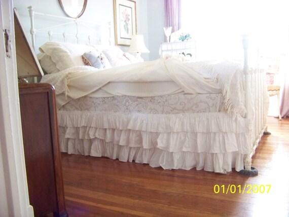 beautiful romantic  queen handmade bedskirt