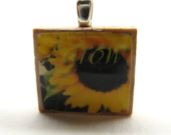 Grow - Sunflowers - Scrabble tile pendant - Italian Floral Inspiration series