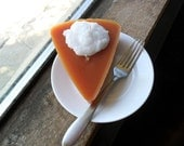 Pumpkin pie shaped/scented candle (1)
