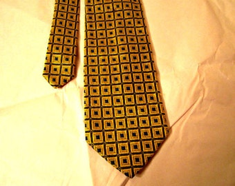 Bachrach Silk Necktie Made In Italy
