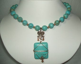 Lovely TURQUOISE  UKANITE Beaded NECKLACE With Removeable Pendant