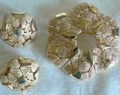 Quality vintage goldtone TRIFARI brooch and earrings set