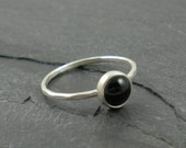 Black Onyx Ring. Silver Hammered Band.