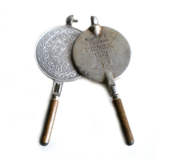 Scandanavian Krumkake Iron, Crepe Pan, Antique Cast Iron, Nordicware