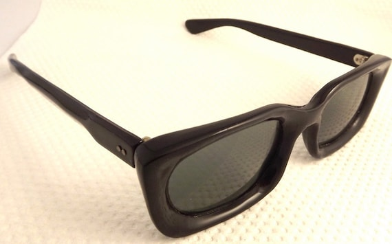 High Quality Geekish  1960s SUNGLASSES  Black  made in Japan