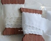 Special Sale, Lovely WHITE Cotton 30mm Floral lace 14 yards, U1227