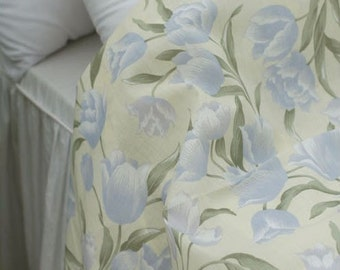 One cut of 200cm of Full of Tulips on Cotton WIDE 150cm,, U1705