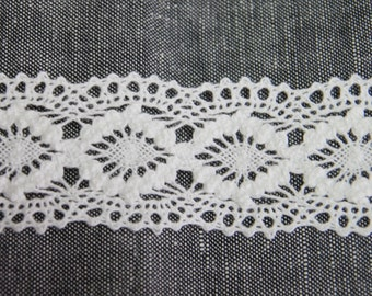 3 Yards, Noble Torsion Lace 40mm White, U1801