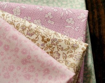 Calm Mint and Violet Floral Cotton Fat Quarter set of 4, U2443