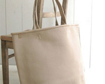 36 x 46cm, one cut, Vintage Washing Leather in white-Iovry, U1021