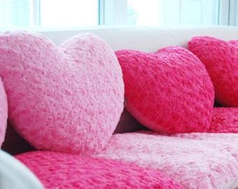 Roses Faux Fur Hot Pink WIDE 160cm, A Yard, U2962