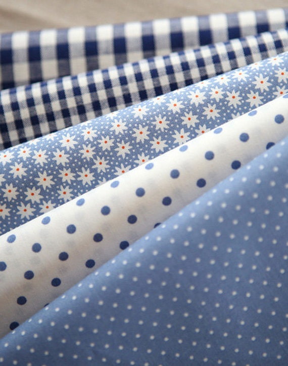 Blue Floral, dots, and check Cotton fat Quarter Set of 5, U2445