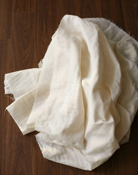 A yard of Cream Soft Double Gauze 150cm WIDE, U2763